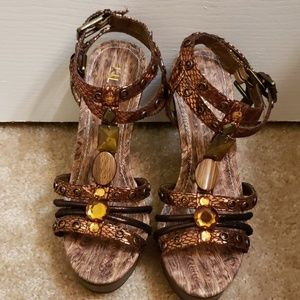 Metallic brown sandals